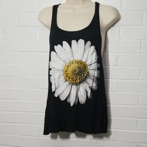 Daisy tank top size small by Love culture